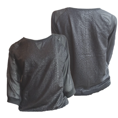 zwart shirt met snake print opdruk en transparante mouwen