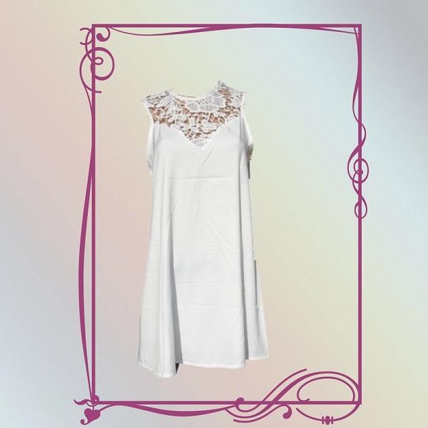 Elegante witte top met kanten bovenlijfje