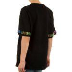 t-shirt zwart met kameleon en studs achterkant