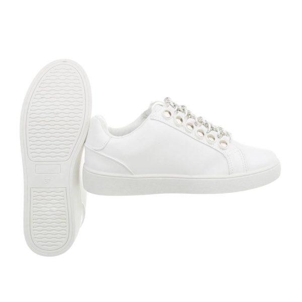 sneaker wit met zilveren ketting en rits